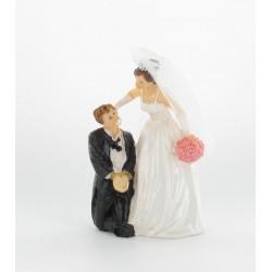 Figurine mariés homme à genoux ligoté