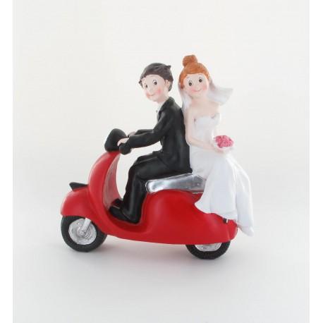 Couple mariés scooter rouge 17cm