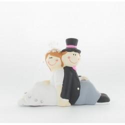 Couple mariés dos à dos