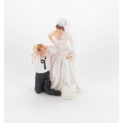 """Couple mariés """"homme à genoux"""""""